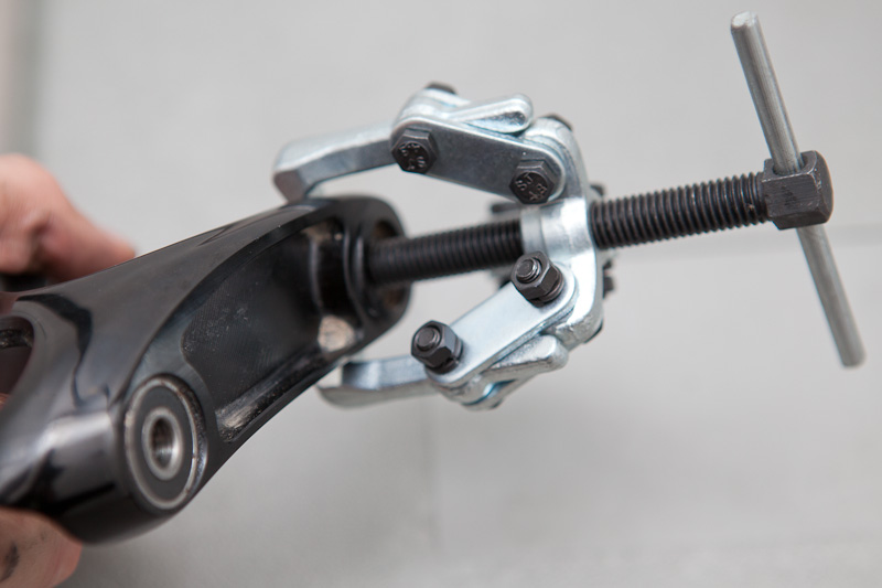 Frame bearing removed from Ibis Mojo HD upper link
